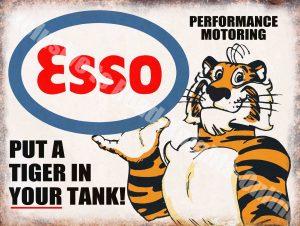 Реклама Esso Тигр в бензобаке